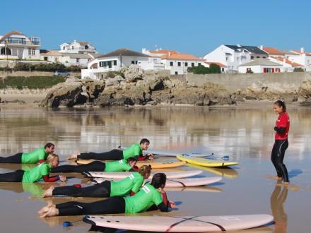 Первые уроки серфинга в Alex Surf School